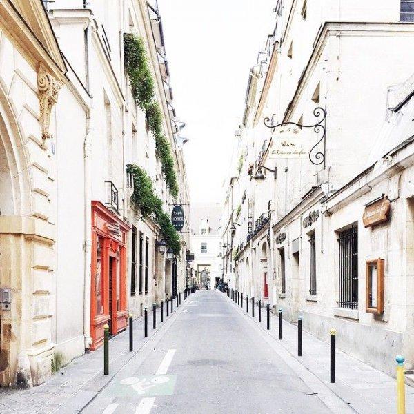 neighbourhood, town, street, alley, residential area,
