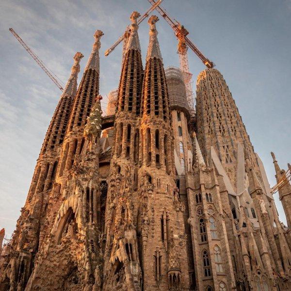 Spire, Place of worship, Landmark, Architecture, Building,