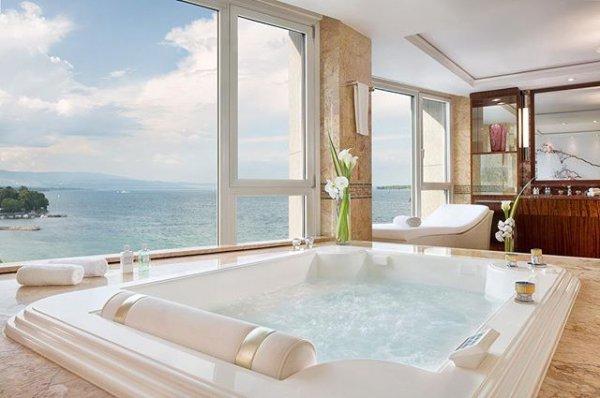 property, swimming pool, bathtub, window, estate,