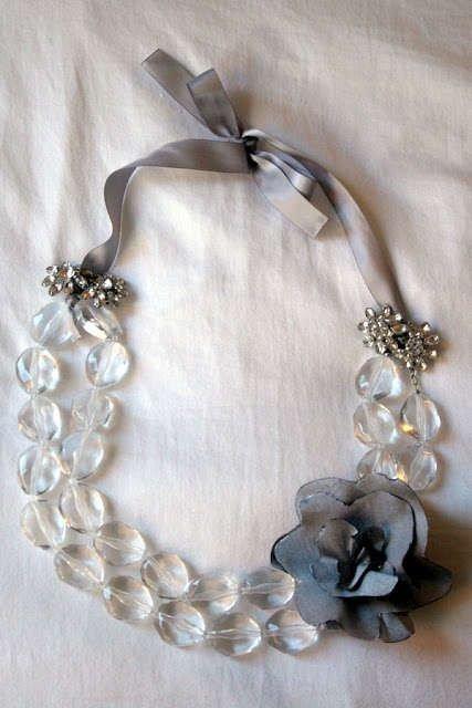 jewellery,necklace,fashion accessory,pearl,silver,