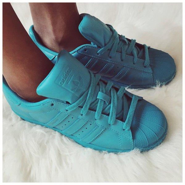 footwear, turquoise, blue, shoe, electric blue,