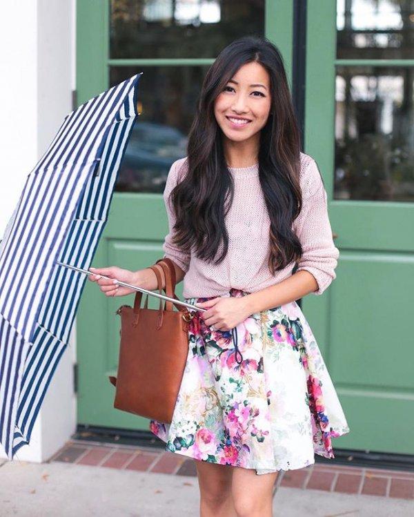 clothing, black hair, plaid, bag, pattern,