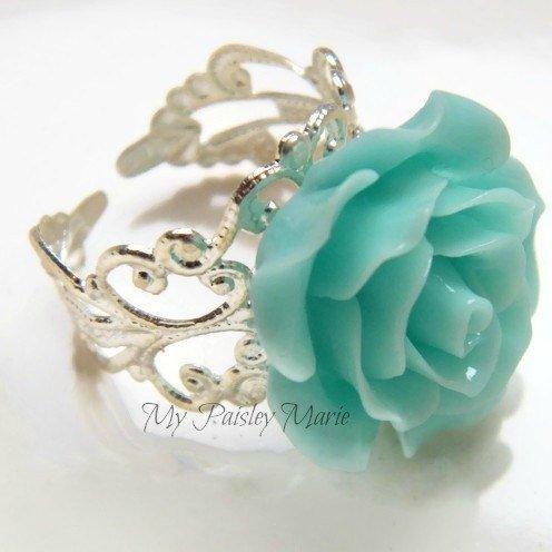 Ladies Flower Ring
