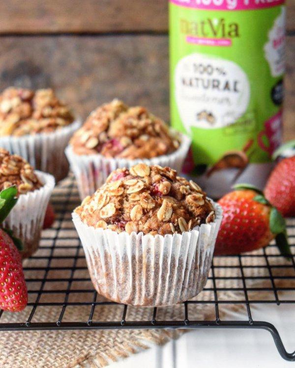 muffin, food, strawberry, strawberries, dessert,