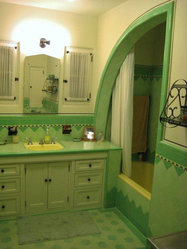 Original 1933 Tile Bathroom