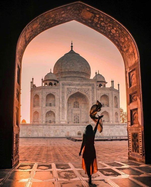 Arch, Holy places, Landmark, Architecture, Building,