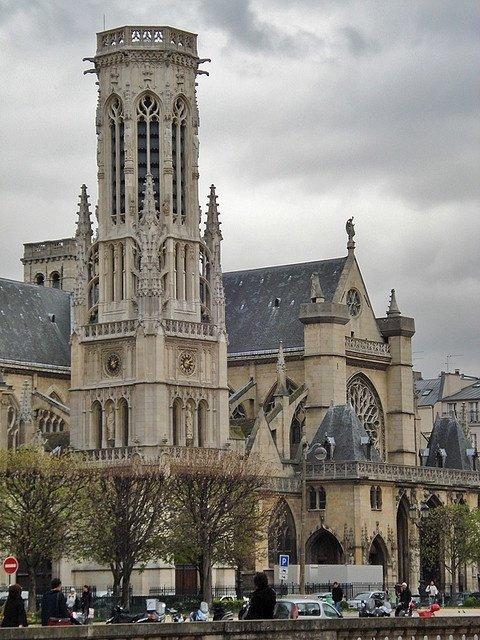 Saint-Germain l'Auxerrois,Hotel Louvre Rivoli,Saint-Germain l'Auxerrois,landmark,building,