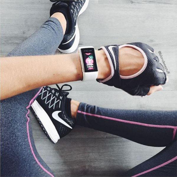footwear, shoe, arm, leg, fashion accessory,