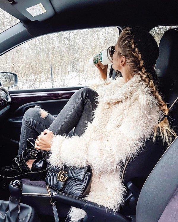 clothing,fur clothing,fur,fashion,textile,