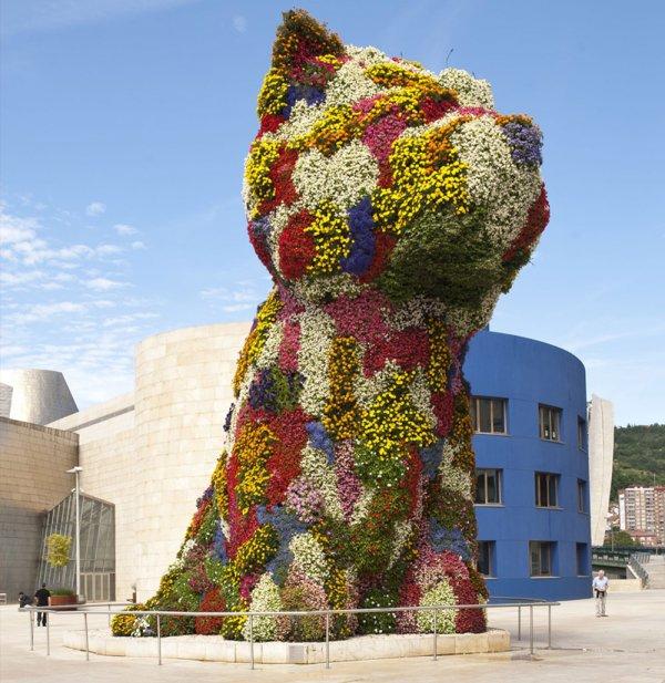 Guggenheim Museum Bilbao, sculpture, statue, toy, balloon,