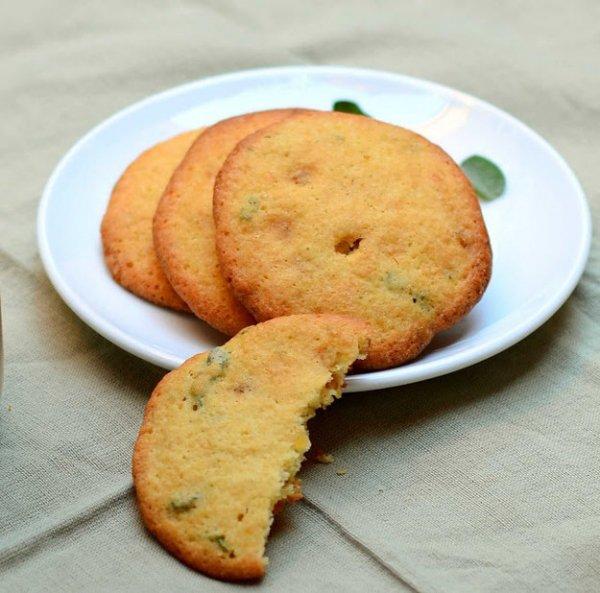 food,dessert,baked goods,snickerdoodle,cookies and crackers,