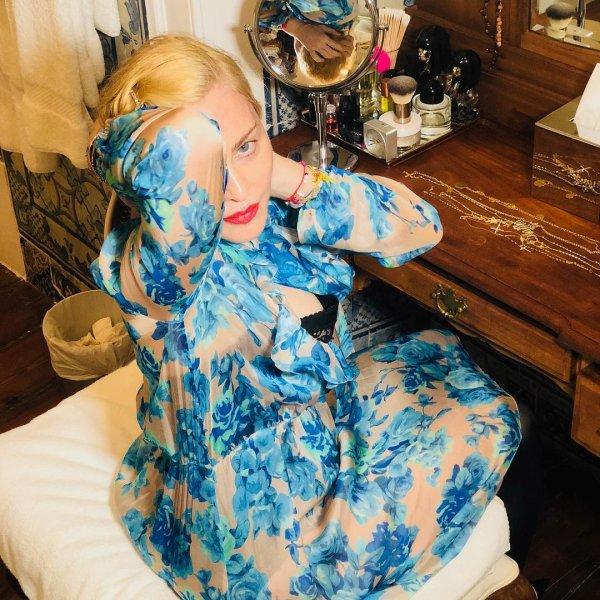 blue, shoulder, textile, sitting, girl,