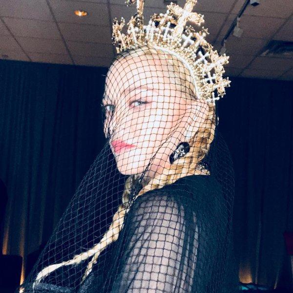 head, fashion accessory, headpiece, headgear, square,