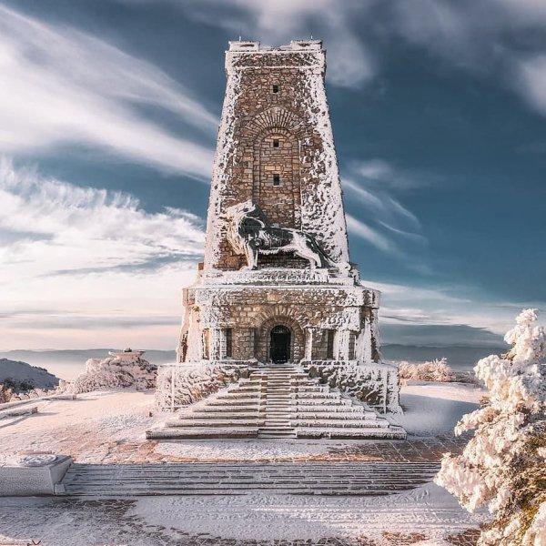 Landmark, Sky, Tower, Historic site, Rock,