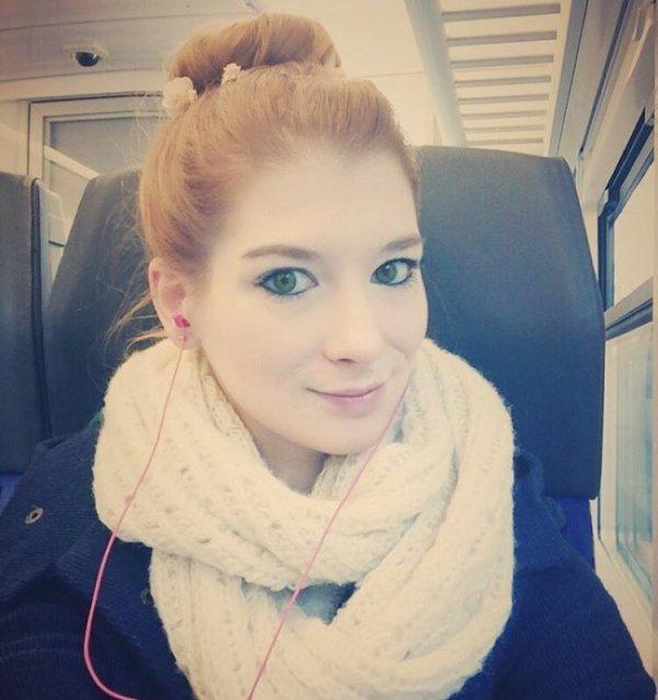 Johanna's Messy Tresses on the Train