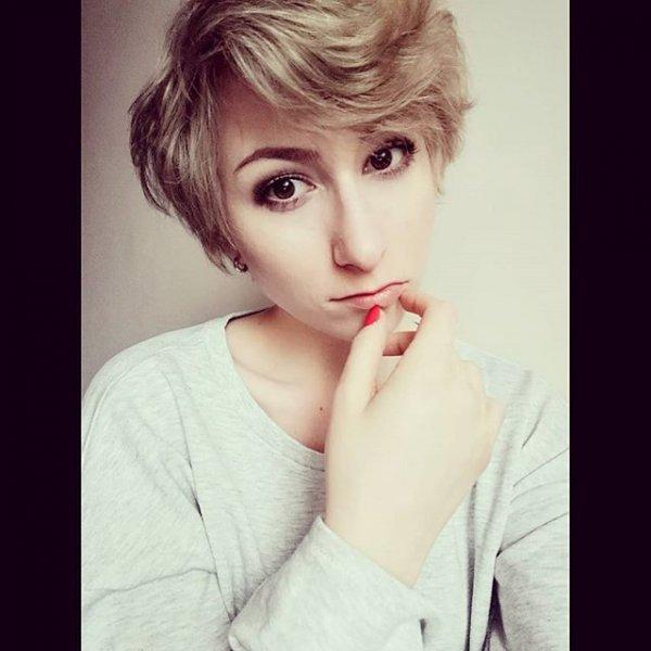 hair, eyebrow, human hair color, hairstyle, nose,