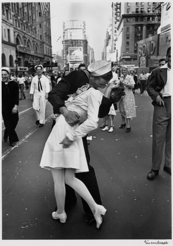 VJ Day in Times Square, New York 1945