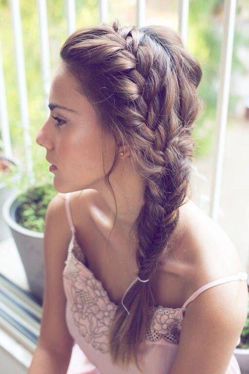 hair,clothing,hairstyle,beauty,long hair,
