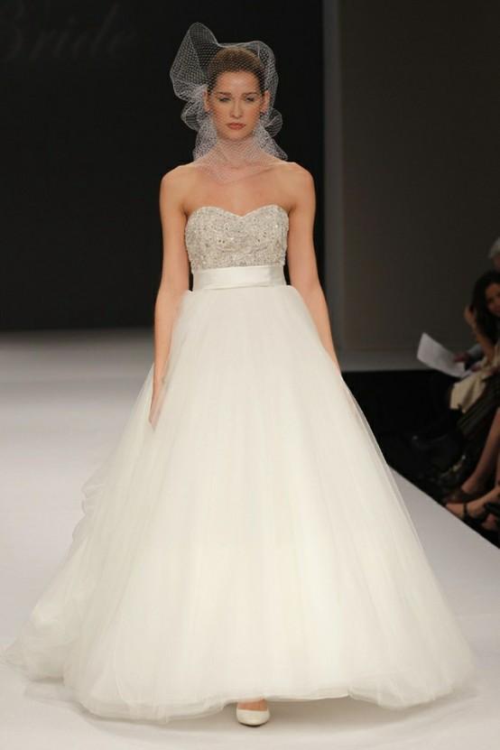 Beaded Bodice Wedding Gown Trend...