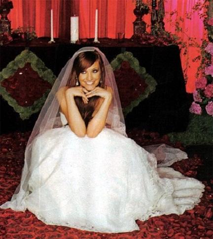 7 gorgeous pregnant celebrity brides ashlee simpson junglespirit Gallery