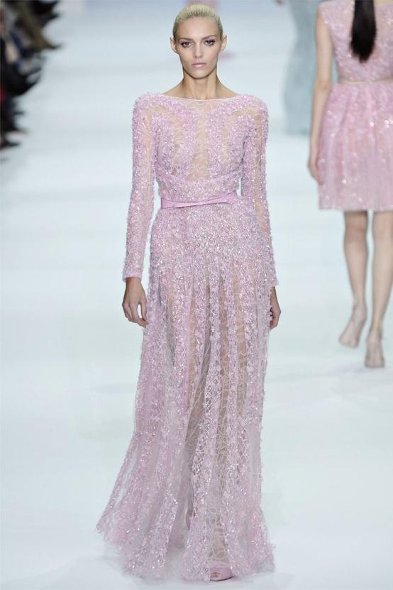 8 Gorgeous Glitter Wedding Dresses...