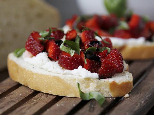 Strawberry Bruschetta...
