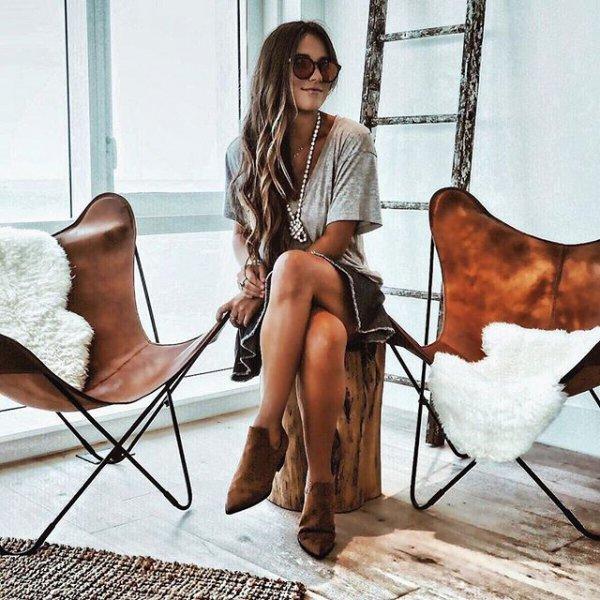 human positions, hair, footwear, sitting, clothing,