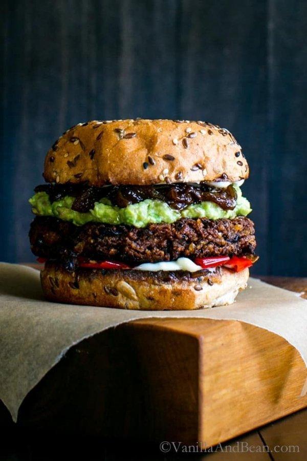 Dish, Food, Hamburger, Cuisine, Veggie burger,