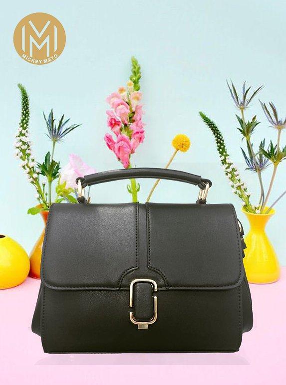 handbag, bag, yellow, fashion accessory, shoulder bag,