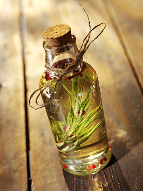 drink,bottle,drinkware,flower,distilled beverage,