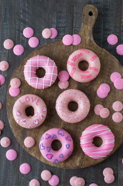 ValentineтАЩs Day Donuts