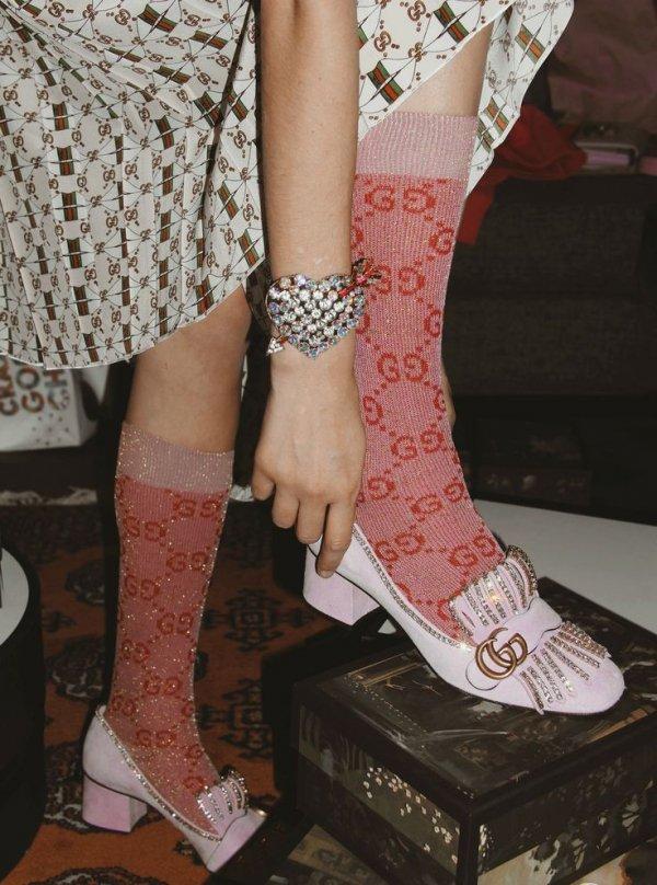 Footwear, Pink, Human leg, Leg, Ankle,