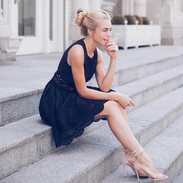 clothing, hairstyle, leg, dress, model,