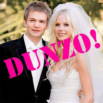 Avril Says See Ya L8r Boi to Husband
