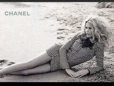 Claudia Schiffer for Chanel