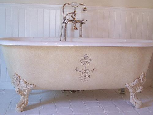 Lemon Bathtub Cleaner