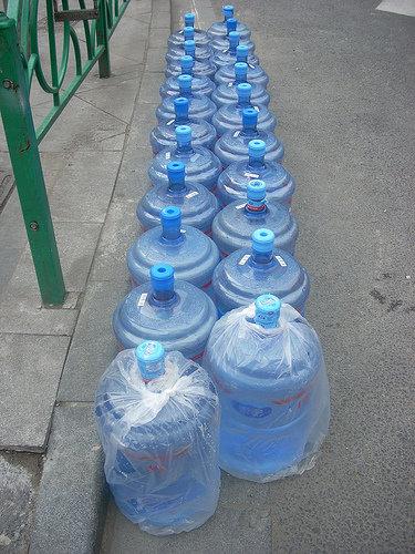 H2O (water)