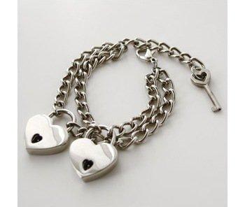 Tiffany Heart Bracelet >> 7 Great Punk Rock Accessories for Girls ... Fashion