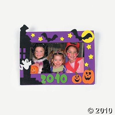"""2010"" Halloween Photo Frame Magnet Craft Kit"