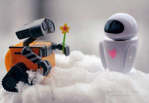 Wall-E and Eve: Wall-E