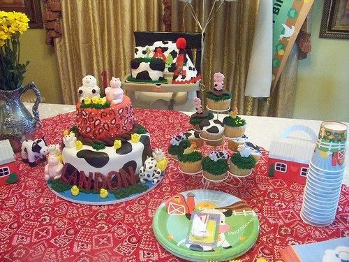 Old MacDonald's Birthday Cake(s)