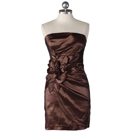 Enchanting Lady Strapless Dress