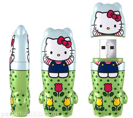 "Hello Kitty ""Fun in Fields"" USB Flash Drive"