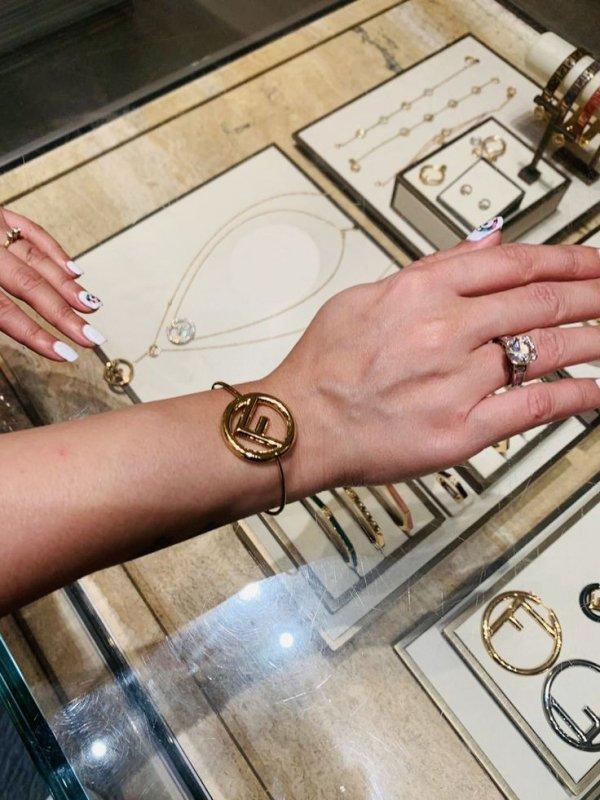 Hand, Fashion accessory, Finger, Jewellery, Nail,