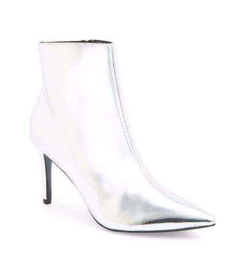 footwear, white, high heeled footwear, leather, leg,