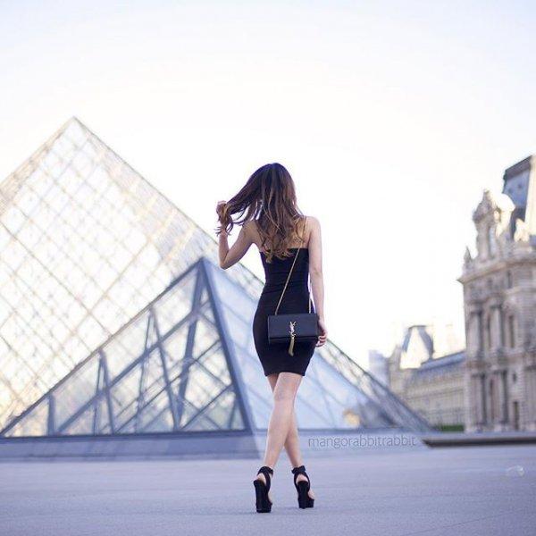 Louvre, clothing, portrait photography, sports, photo shoot,