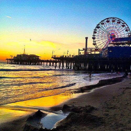 Santa Monica Pier: Santa Monica, California, USA