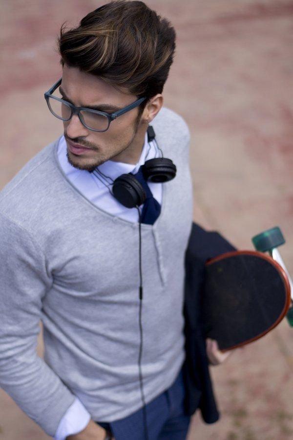 eyewear, shoulder, vision care, audio equipment, microphone,
