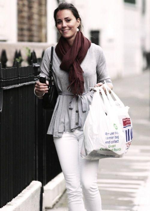 A Simple White Jean