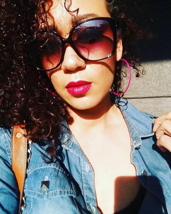 Her Berry Lip & Sweet Sunnies